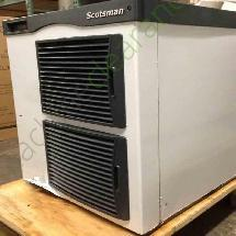 Scotsman 956 lbs F0522W flake ice maker
