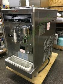 Taylor 390-27 frozen beverage machine