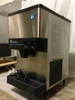 Hoshizaki DCM-240BAF Ice and water dispenser